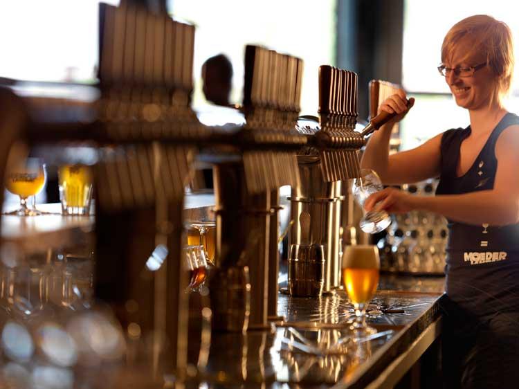 Cervecería Moeder Lambik, Bruselas. Tu Gran Viaje a #FlandesExquisita Los mejores lugares donde beber cerveza en Flandes | Flandes Exquisita