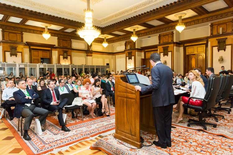 Taleb Rifal, dirigiéndose a los participantes de la Conferencia. © UNWTO
