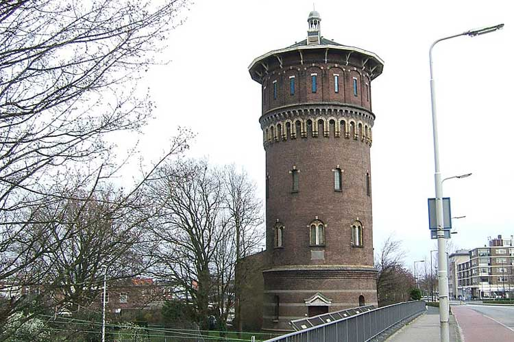 Depósito de agua de Bergen op Zoom, Holanda. Foto CC 2.0 Peter Van den Bossche. Los depósitos de agua más famosos del mundo en Tu Gran Viaje