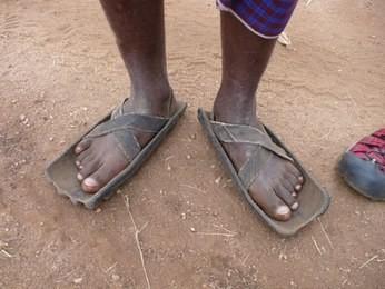 Tuğşah Bilge – Afrikada Ayakkabı Satmak.
