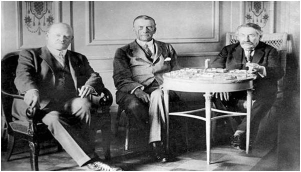 Locarno'da soldan sağa, Gustav Stresemann, Sir Austen Chamberlain, Aristide Briand