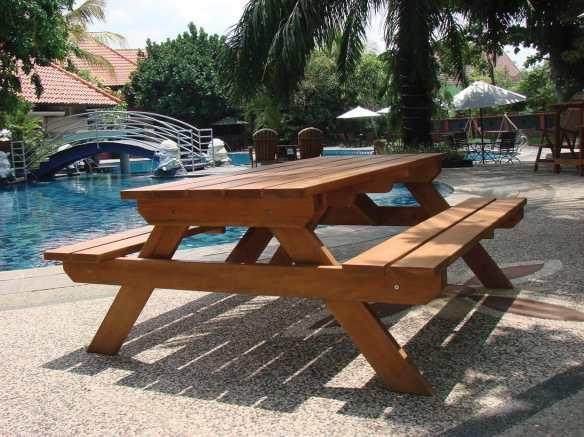 Tuindeco hardwood picnic table.