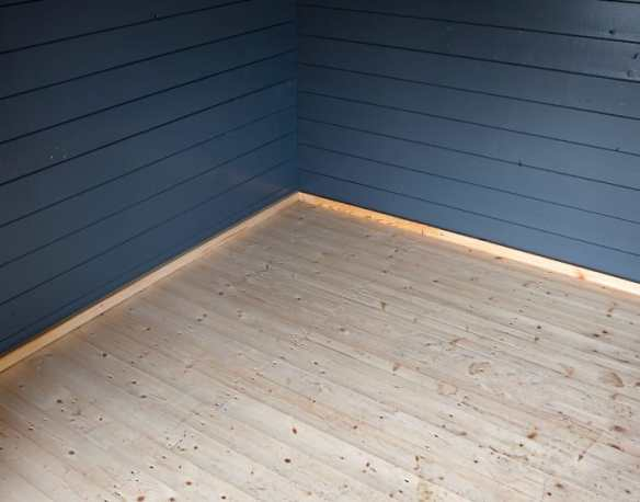 Tongue and groove log cabin floor in 18mm or 27mm thick boards