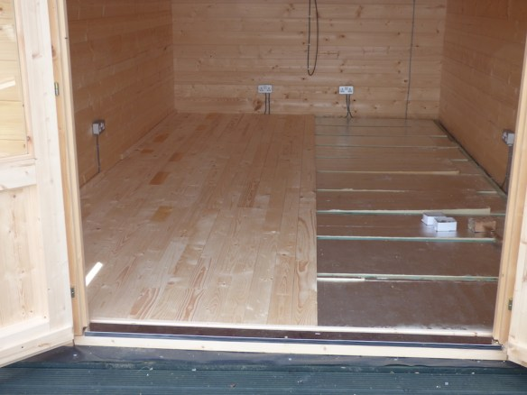 insulated-log-cabin-floor-1