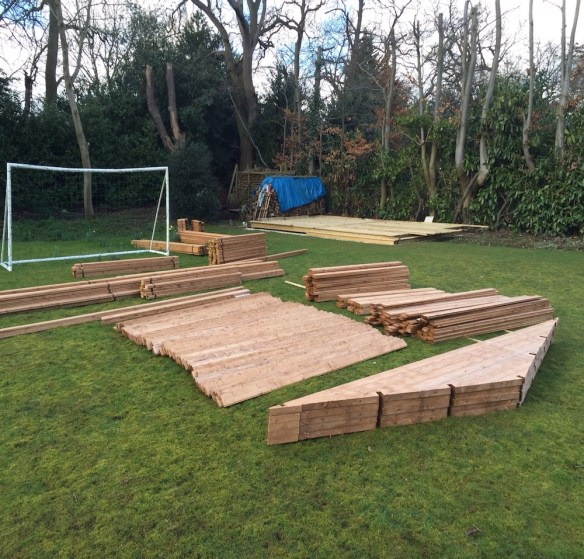 laying-out-log-cabin