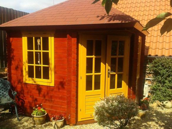 Decorated Ingrid Log Cabin