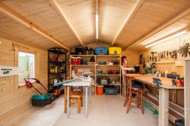 Gunda Interior