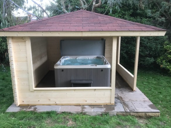 Marit-Hot-Tub-Gazebo
