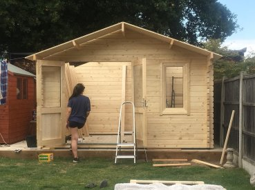 Ulrik Log Cabin Installation