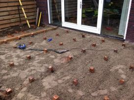Placing Decking Posts