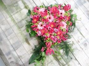 roze hart bloemwerk bloemsierkunstodink-1409