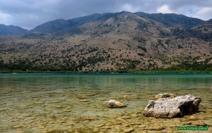 Jezioro KOURNAS - jedyny słodkowodny akwen na Krecie