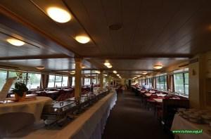 Restauracja na statku Błękitnej Floty
