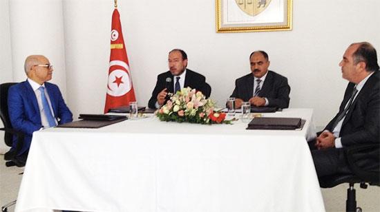 De gauche à droite : Salah Jarraya (Tunisie Telecom), Taoufik Jelassi (min des TIC), Fethi Jarraya (min de l'Education) et Slim Ghariani (Ericsson)