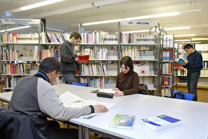 w_photo-bibliotheque-internet-4b62e97caeb10