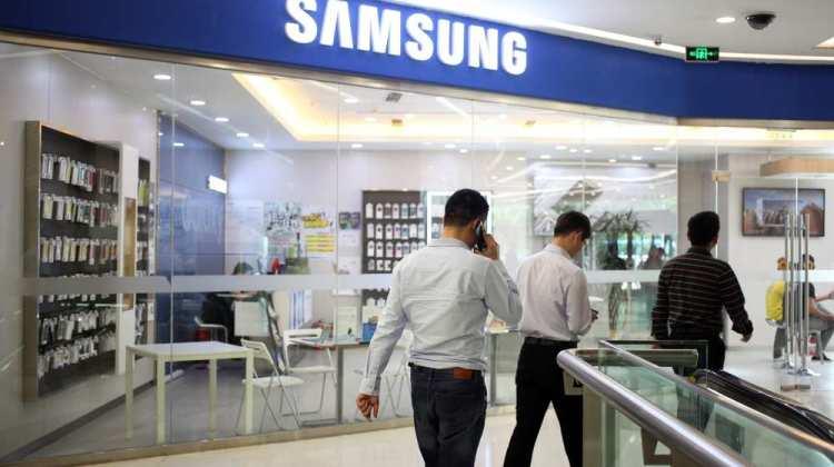1122494_samsung-perd-sa-place-de-numero-1-en-chine-au-profit-dapple-web-tete-02190224483