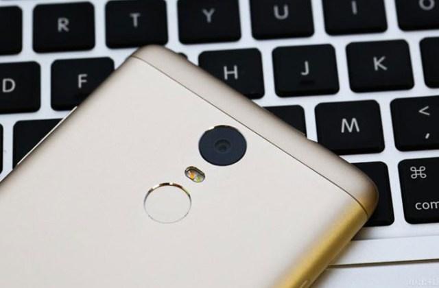 Le Xiaomi Redmi Note 3 Pro est doté d'une belle coque métallique et d'un lecteur d'empreinte.