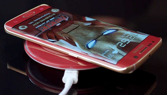 samsung_galaxy_s6_edge_iron_man_edition_wireless_charger_youtube_screenshot1