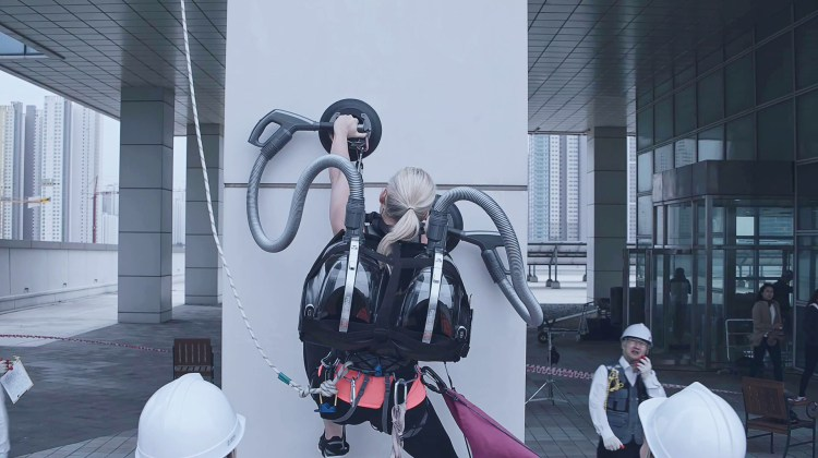 LG CordZero Climbing Stunt 2