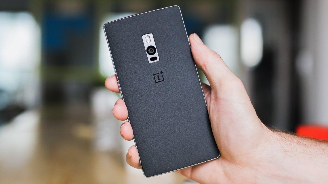 AndroidPIT-OnePlus-2-back-cover-sandstone-black-2