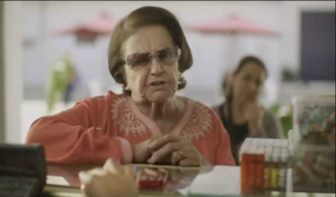 orange-tunisie-grand-mère