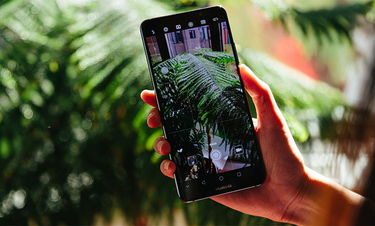 huawei-mate-10-pro-in-hand