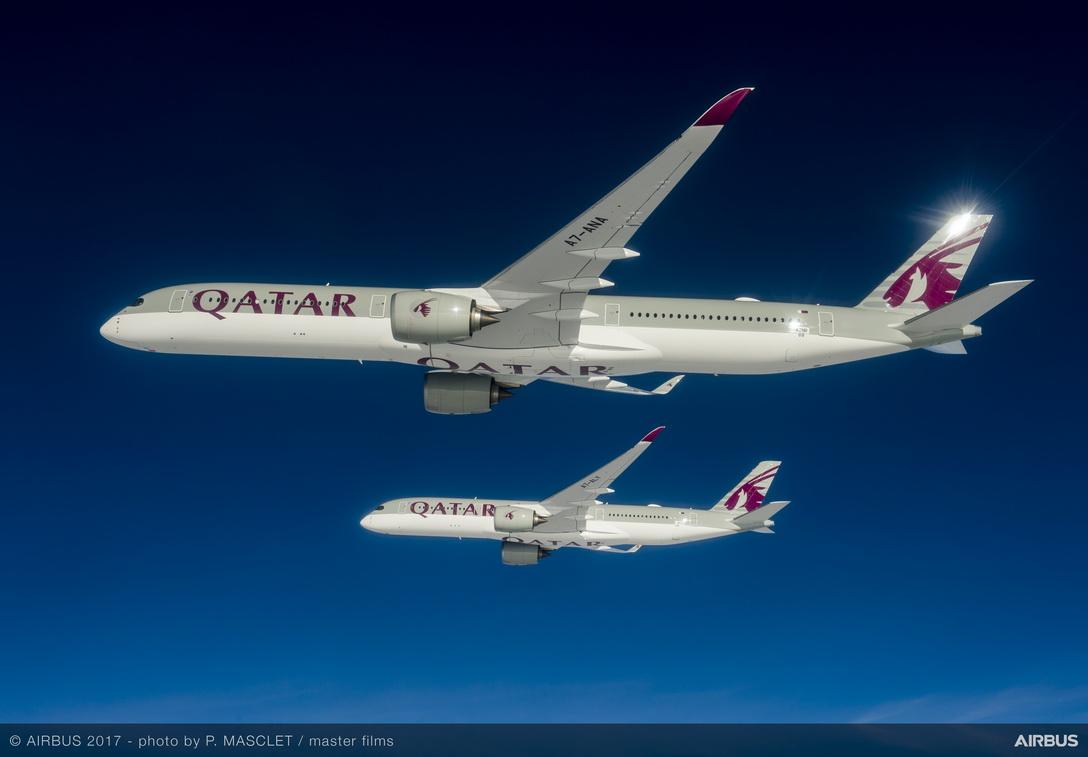 A350-1000-and-A350-900-Qatar-formation-flight-
