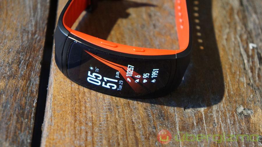 Samsung-Gear-Fit2-Pro-18-1