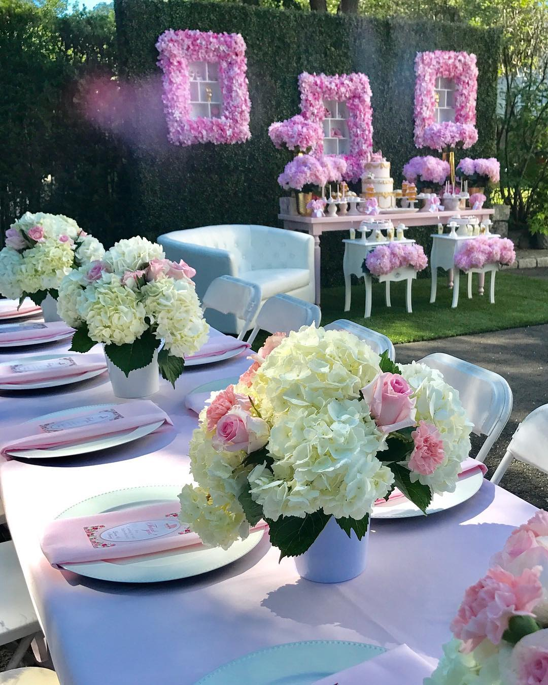 for example green with pink green with white green gold all colors gives you fresh and creative arrangements of themed bridal shower party planning