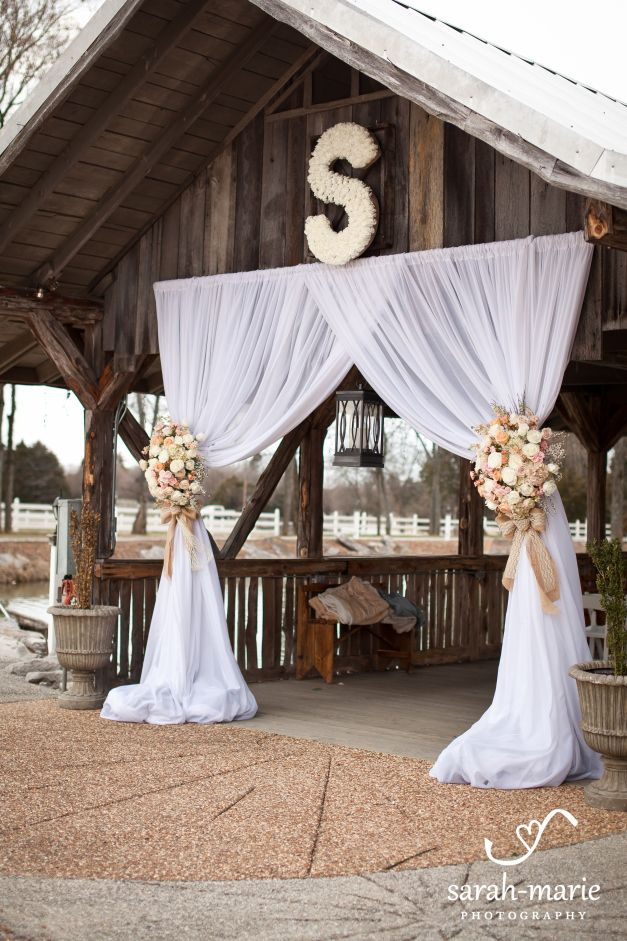 Rustic Burlap And Lace Draped Wedding Ceremony Tulle