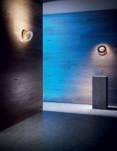 Lampadario a sospensione dal design moderno, ideale per illuminare ambienti come camera da letto o un. Vera 21 Lampada Parete Icone Luce Illuminazione Roma Tulli Luce