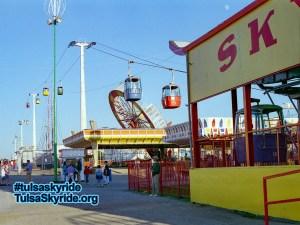 Tulsa Skyride at Bell's Amusement Park during 1995 Tulsa State Fair 001