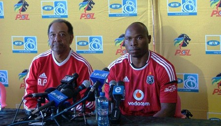 Mbesuma Signs 3 Year Deal With Orlando Pirates