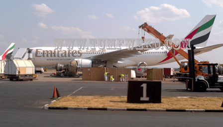 Photo: Emirates Plane With Faulty Engine Replaced