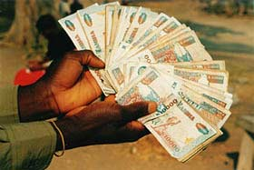Kwacha Regains Some Losses Against the Dollar