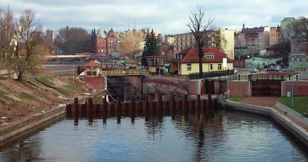 Bydgoszcz Poland Śluza Trapezowa w remoncie 20150403_083219 Schleuse Polen écluse évacuateur Pologne Bromberg