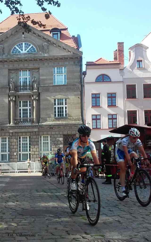 Toruń Starówka Old Town Bike Racing Wyścig rowerowy Nestle Pacific Mercedes
