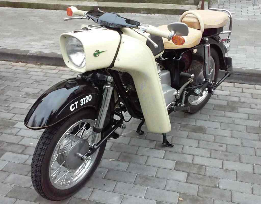 white motor biały
