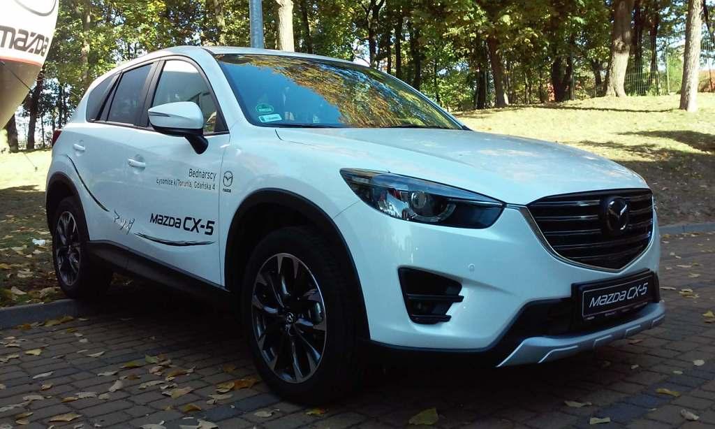 Targi Samochodowe Toruń 10.10.2015 Car Show Automobile Fairs Poland vehicle Mazda cx-5