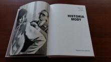 Historia Mody Fashion Book Ubrania Torebki Stroje Buty Ubiór Kobiecy Suknia Płaszcz Garnitur Męski Pokaz Pismo
