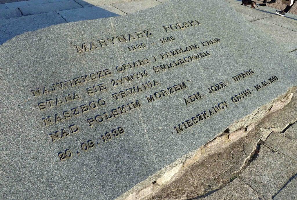 Pole bitwa soldier field camp P pomnik pamięci historia Inowrocław memorial war died Poland polish Gdynia Reykjavik Murmansk Oksywie urny Wałęsa Gdansk