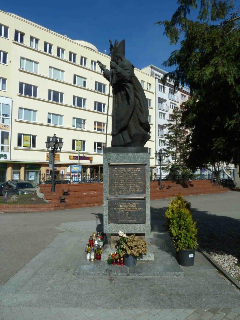 Scouting Harcerze Polskiego ZHP ZHR memoriał pamięci historia Inowrocław Jean Paul II Jan Paweł II memorial war died Poland polish Gdynia Hołd