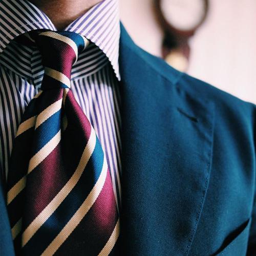 ストライプシャツとストライプネクタイ