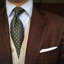 03b_3b_brown-suit-tie