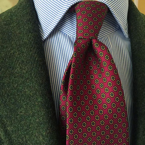 ブルーシャツ ネクタイ 赤