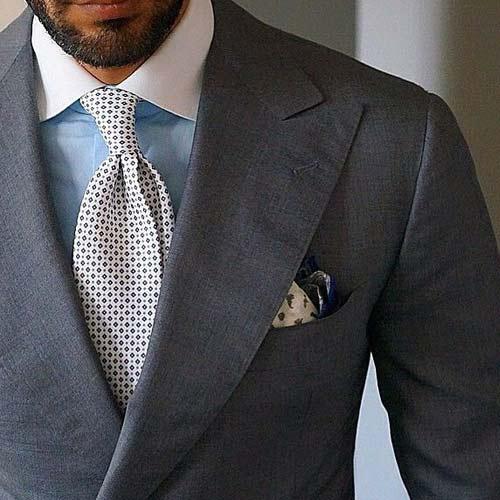 グレースーツに合うネクタイ|定番・カジュアル・結婚式など厳選