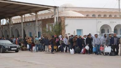 Photo of اجلاء 250 تونسيا عبر معبر رأس جدير
