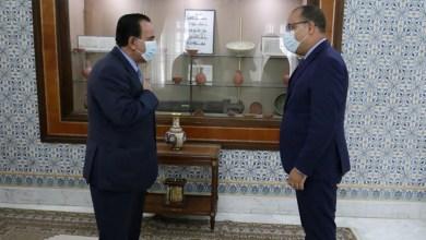 Photo of تعزيز علاقات التعاون الثنائي محور لقاء رئيس الحكومة بسفير قطر