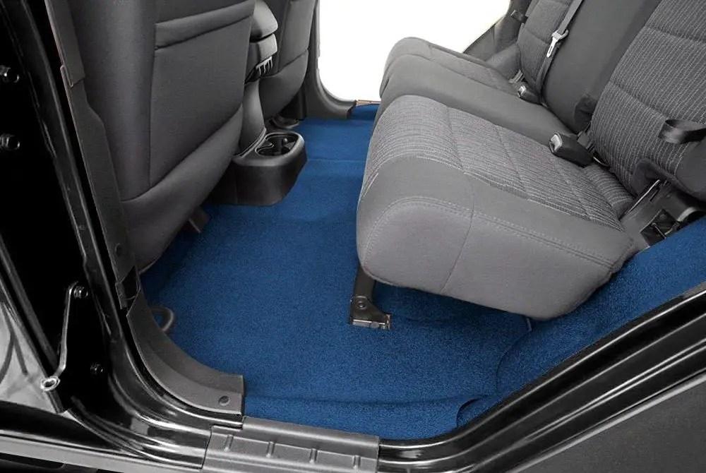 faille avec un nouveau tapis de voiture