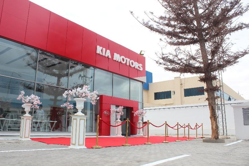 City Cars (Kia Motors) dans ses nouveaux locaux de la Z.I du Kram